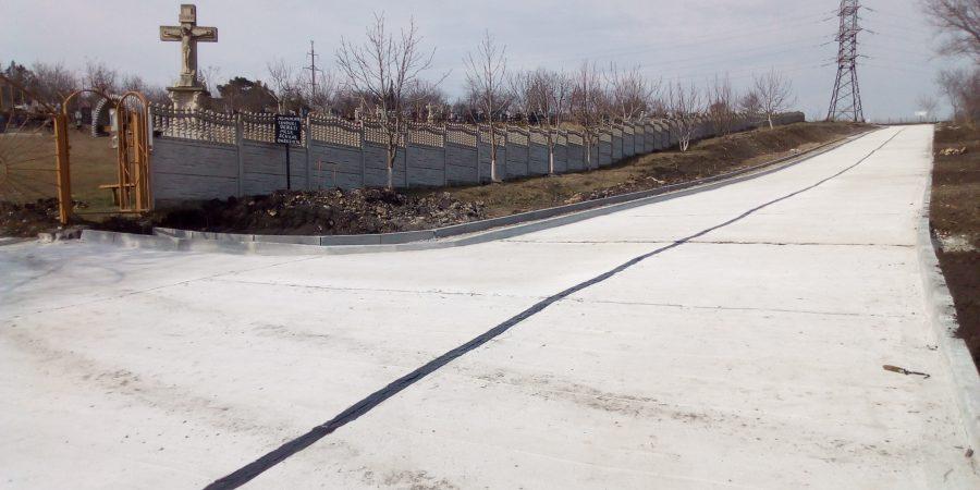 Procesul de executare a lucrărilor de construcție a drumului din str. Cîmpului or.Codru.